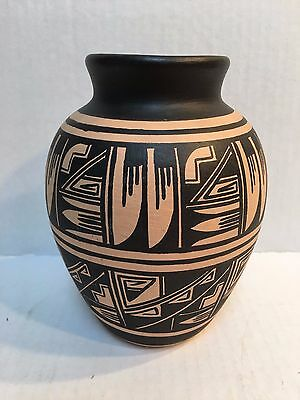"Ute Mountain Pottery Signed By Robert Reid Mesa Verde ""82"""