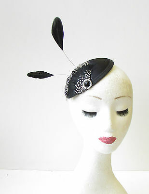 Black White Silver Feather Fascinator Pillbox Hair Races Vintage 1940s Hat 1454