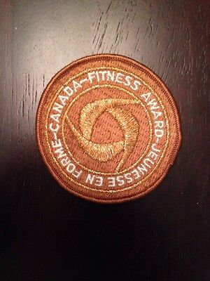 """New Vintage Canada Fitness Award Sew On Patch 3"""" Gold"""