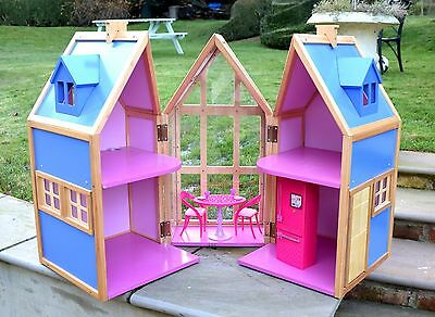 "Doll House for Barbie/Sindy/Bratz and 14"" dolls"