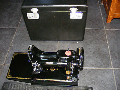 Vintage SINGER 221 sewing machine Lovely condition All oiled up With extras VGWO