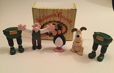 WALLACE AND GROMIT COLLECTABLE FIGURES The Wrong Trousers AARDMAN ANIMATION