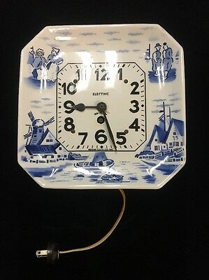 Vintage Newark Clock Company Electric Porcelain Wall Clock Delft Plate Style
