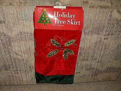 Holiday Tree Skirt Poinsetta Design 48 Inches In Diameter
