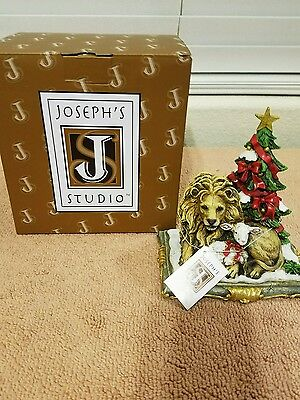 NEW Roman/Joseph Studio Lion and Lamb with Christmas Tree Figurine In Box