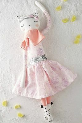 Alice Mary Lynch curtain call doll in Violet.