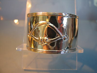 Edwardian unusual heavy silver napkin ring with swags  1913.