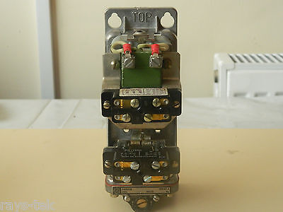 General Electric CR28208 Pnuematic Time Delay Relay Part No 77C719392P1 [R7C]
