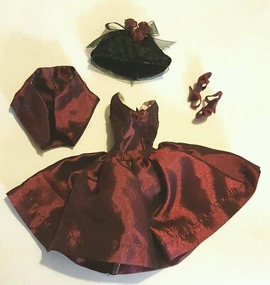 """Tonner Tiny Kitty """"wine And Roses"""" Outfit... Mint"""