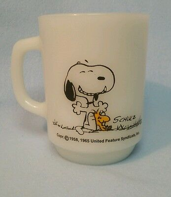 Snoopy Peanuts Mug / THIS HAS BEEN A GOOD DAY! (1965) Fire-King