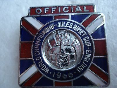 1966 WORLD CUP..OFFICIAL BADGE..JULES RIMET TROPHY..ENGLAND..(c) F.A. 1963