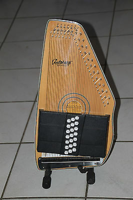 Oscar Schmidt OS120CNE Autoharp plus extra Wrench and String set