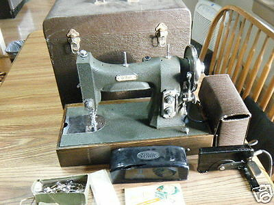White Rotary Sewing Machine 77 MG Patent Oct 1927 w/ Case & Accessories