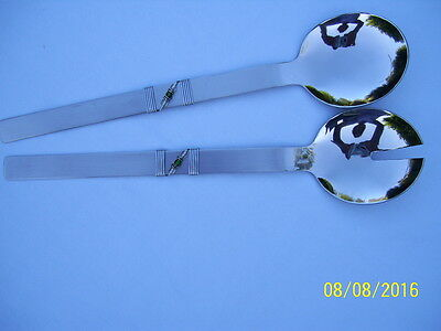 Salad servers in stainless steel with green stones