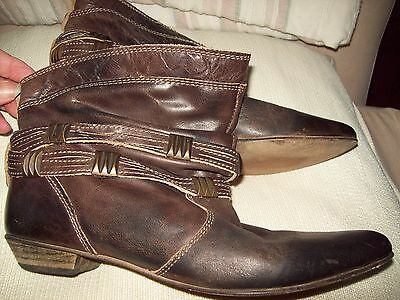 Ladies Brown Leather  Ankle Boots Size 8 - Made In Brazil
