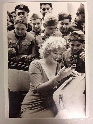 80s MARILYN MONROE POSTCARD 1957 signing autographs with young cadets