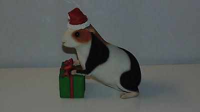 Christmas Guinea Pig Collectible Statue, Amazing Detail by Country Artists EUC!
