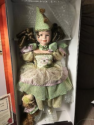 1999 Coumbine MUNDIA  A French Porcelain Doll NIB Never out of Box COA