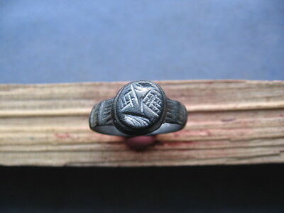 PERFECT ANCIENT ROMAN BILLON SILVER ENGRAVED SEAL FINGER RING 1-2 ct. A.D.