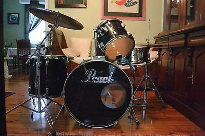 Black 5 Piece Pearl Drum Kit