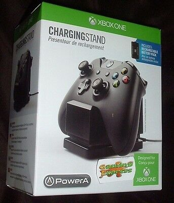 Official Xbox One Licensed Charging Stand Includes Rechargeable Battery Pack NEW