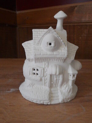 C-0678 Easter Egg House with decorative heart & mailbox Ceramic Bisque U Paint