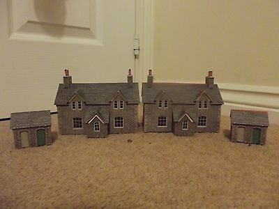 00 Gauge 2x Metchalf Railway Cottages & Outbuildings