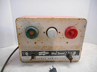 Gambles Farm Crest Weed Demon Fence Controller, 38-3235, Vintage, Works STRONG