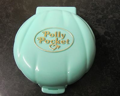 Vintage Polly Pocket Polly's Beach House 1989 Complete Rare Compact 2 Figures