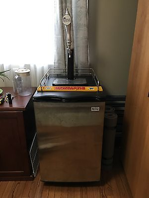 Refrigeration Avantco Beer Tap Keg System With Two Tanks & Gauges