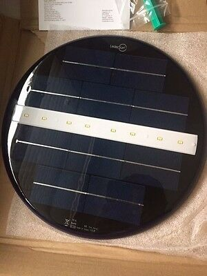 Underwater solar lamp to light swimming pools, fountains, pond