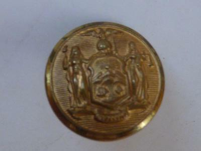 WW1  GENUINE AMERICAN OFFICERS GILT BUTTON - NEW YORK STATE CITY GUARD -  c1916