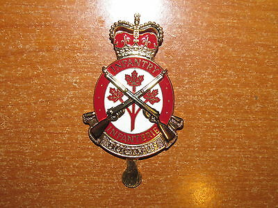 QC Canadian Cap Badge Infantry Branch Canadian Forces nice