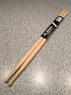 Vic Firth American Classic Drumsticks with Barrel Tip Wood 5A
