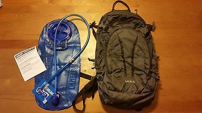 NEW - Camelbak MUL 3L hydration hiking/cycling back pack - Charcoal grey