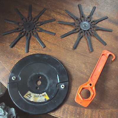 Flymo 86-1-1870 Cutting Disc, spanner and spare blades.