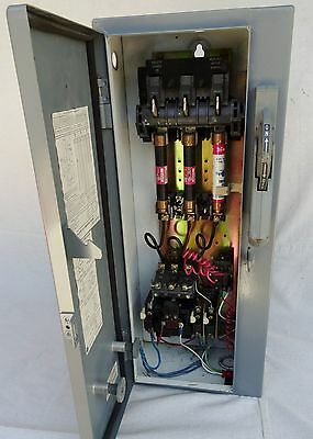 Allen Bradley Motor Starter / Disconnect 712 BAB24 SERIES N SIZE 1 with relay