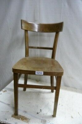 5252. Alter Bugholz Stuhl Old wooden chair