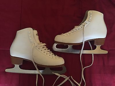 Riedell Figure Skates 121 White Leather SZ Ladies Womens 6 1/2 Pre-owned