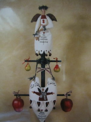 """ GATHER for CHRISTMAS ""  Cloth Doll Pattern by Country Friends"