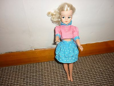 Vintage 1970's Sindy Doll  and Outfit  Excellent Condition