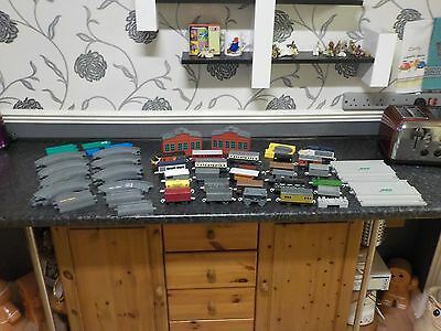 JOB LOT THOMAS THE TANK ENGINE  AND TOMY Track Carriages COLLECTABLE TOYS