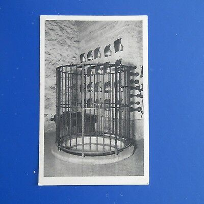 Old Postcard of Tower of  London. The Well in the White Tower.