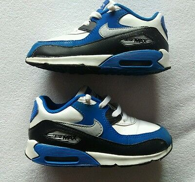 Great Condition Kids Nike Air Max trainers Size uk 8.5