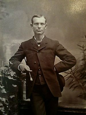 Cabinet card dapper handsome young man from Chicago hat & walking stick 1890s