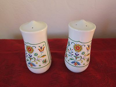 Vintage Floral Made In Japan Salt & Pepper Shakers