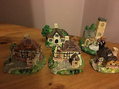 Lilliput Lane - Various cottages and church