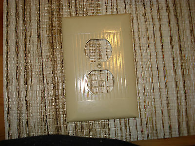 Vintage Sierra Bakelite Ivory Ribbed Outlet Receptacle  Cover.