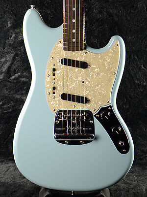FENDER JAPAN Exclusive Classic 60s Mustang DBL Electric Guitar Daphne Blue
