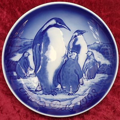 "1998 Bing & Grondahl Mothers Day  Plate - ""King Penguine with Young """